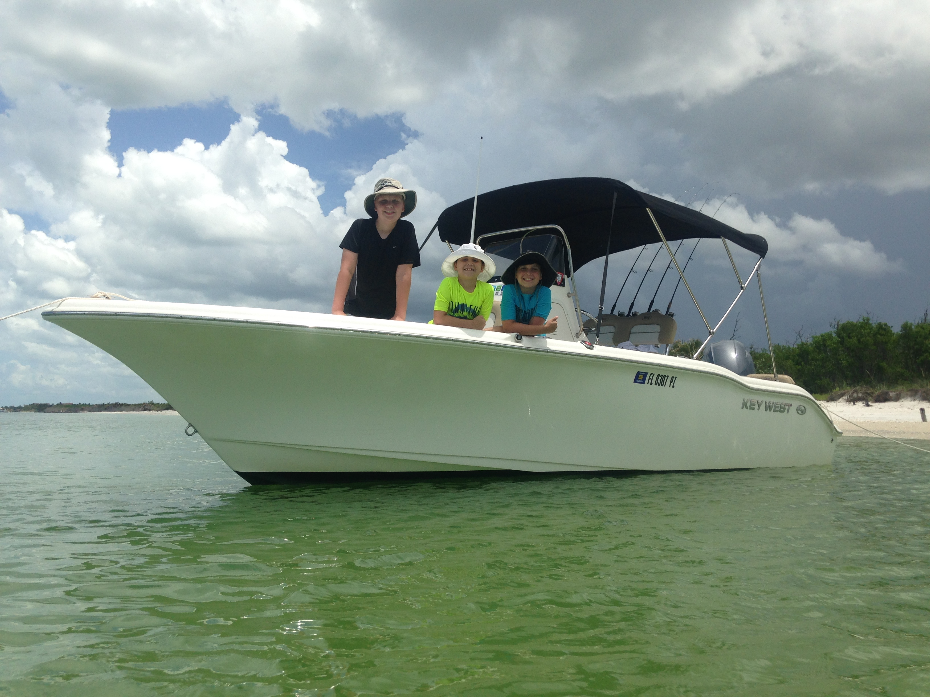 21 center console boat rental key west 219 fs center for Key west shore fishing